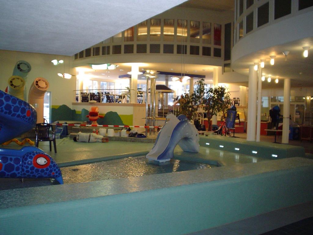 Schwimmbad Wellness005