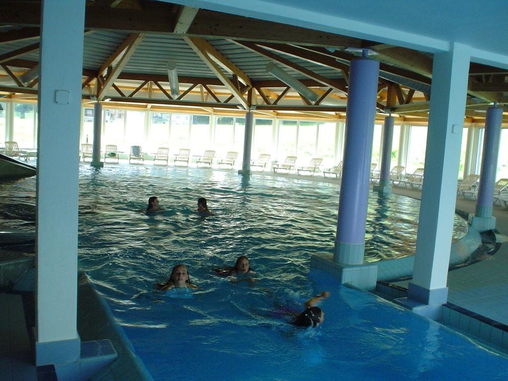 Schwimmbad Wellness027